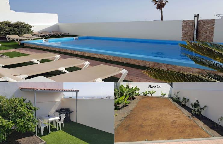 Villa Roja -, Apartamentos; Fiesta prohibidos