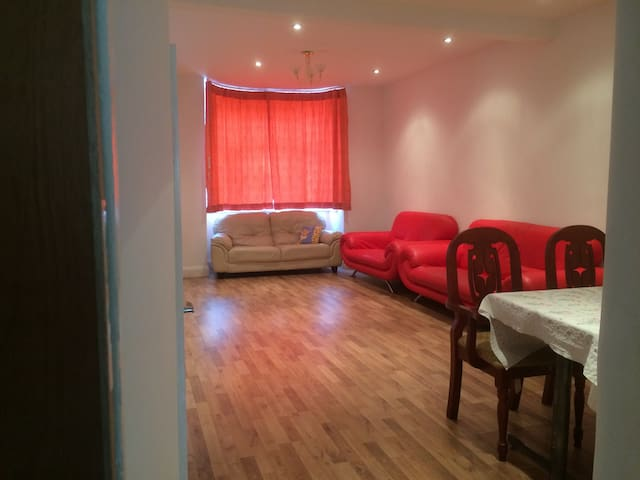 A  spacious double room near EXCEL