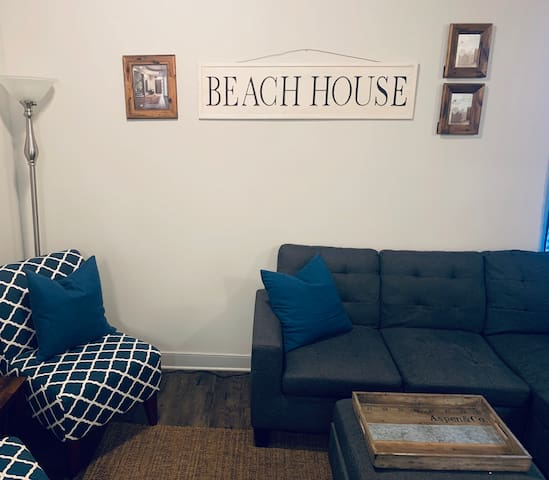 Cozy retreat mins from the Beach & Downtown