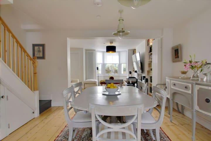 Lower floor dining area