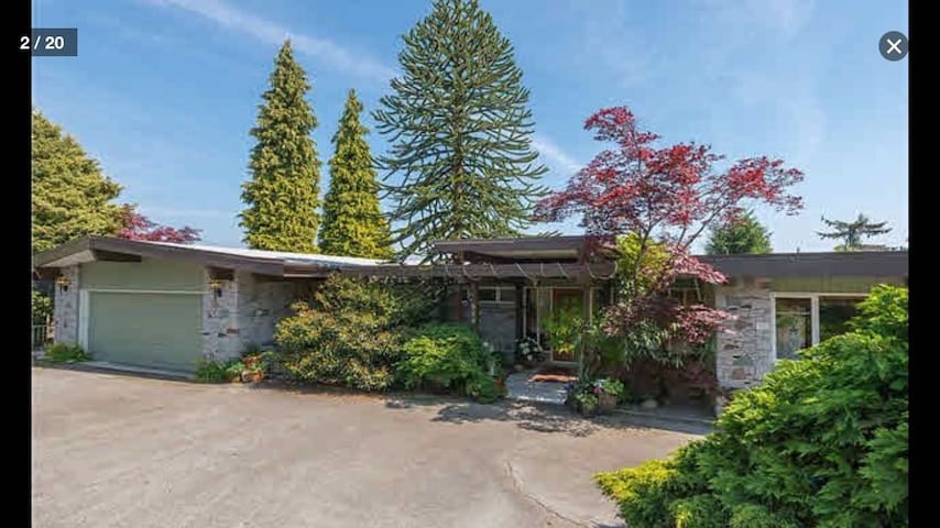 House with views for events rental - West Vancouver - House
