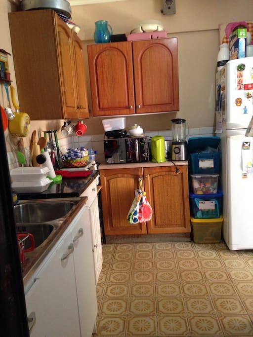 Cocina totalmente equipada, puedes usar todo! Nos encanta cocinar!