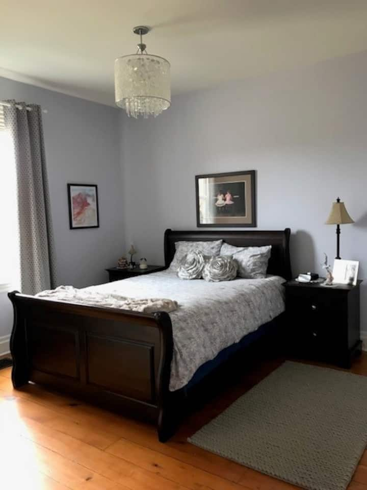 Queen Bedroom in an Ontario Cottage Farmhouse