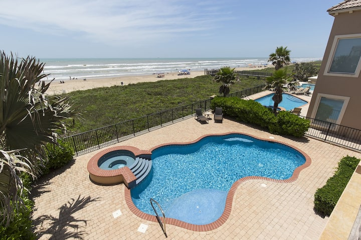 """Live the """"Bella Vita!"""" Spacious, Ocean Front House with Picturesque Ocean Views!"""