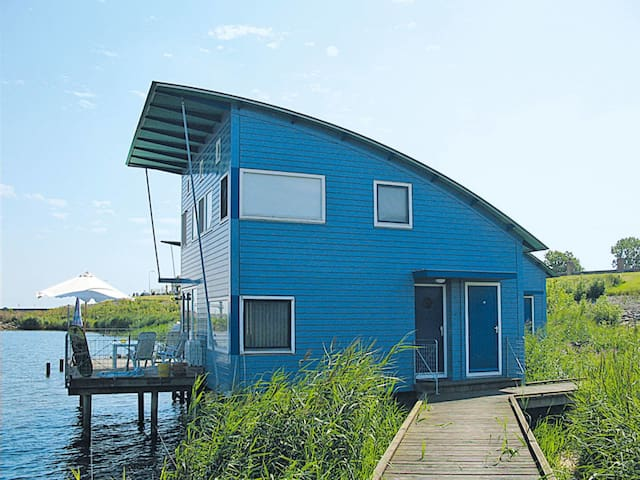 80 m² holiday house in Lauwersmeer