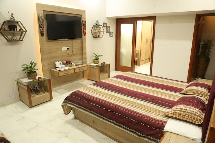 Luxury + Elegance + Comfort + Lush Greenery on a budget is what defines the Fine Cottage Homestay Amritsar.
