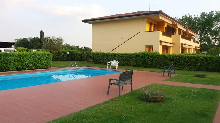 Nuovo appartamento a Lazise in residence e piscina