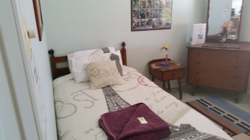 I. Single room - Best value at Oxley - Oxley