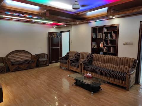 Luxurious & Spacious Apartment near GEC Circle