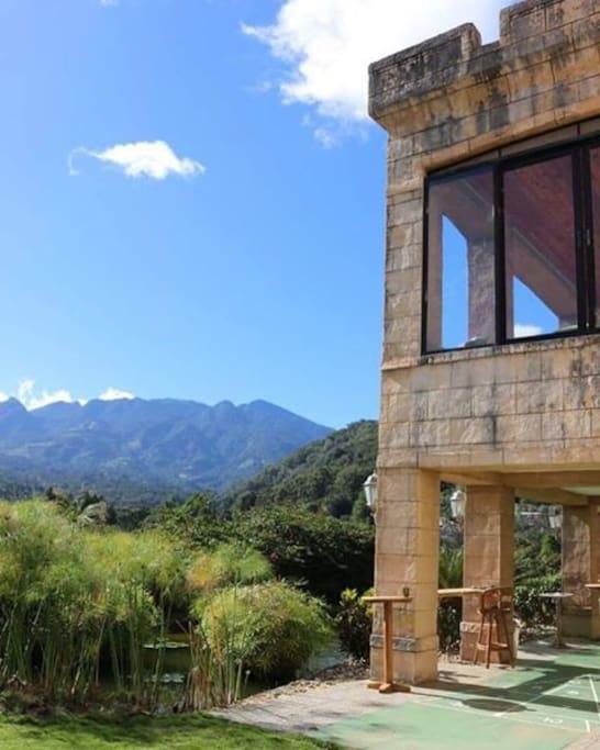 Bambuda castle ostelli in affitto a bajo boquete for Boquete piscina
