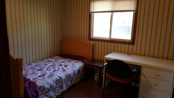 close UWO,Clean and Quiet Room with small fridge.