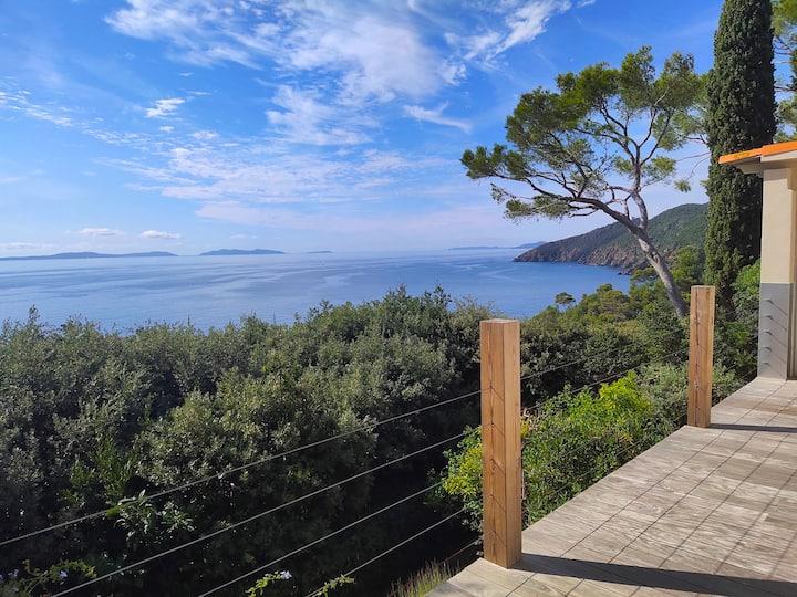 Villa with beautiful panoramic sea view