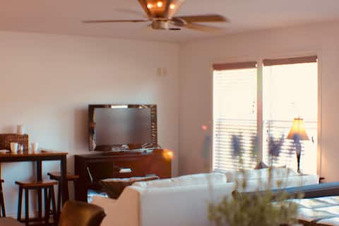 Cozy Private Guesthouse 10 minutes from SMU & Lake