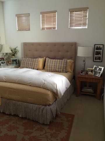 Modern and comfortable! - Palm Desert - Bed & Breakfast