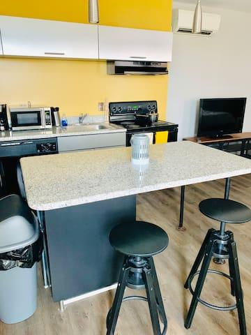 Studio Available Downtown Royal Oak! 310-411