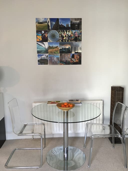 Lounge & dining table