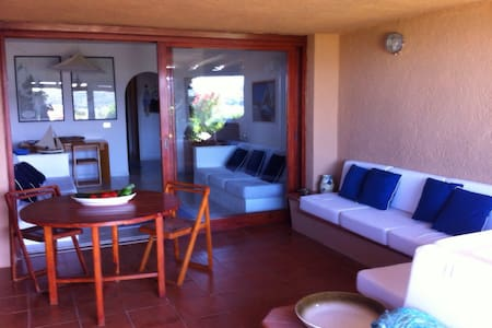 Cosy flat 60 meters distant to sea - Marinella - Wohnung