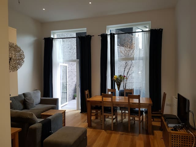 Perfect for exploring London, close to O2 & Excel