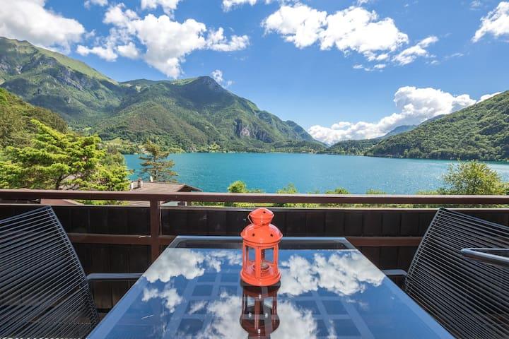 Cà Serena Charme mit wunderschöne Seeblick - Val Maria-pur - Wohnung