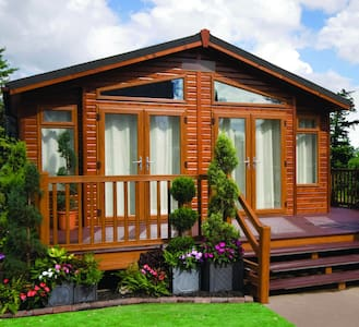 2 Bedroom Luxury Lodge at Hilton Woods - Holsworthy