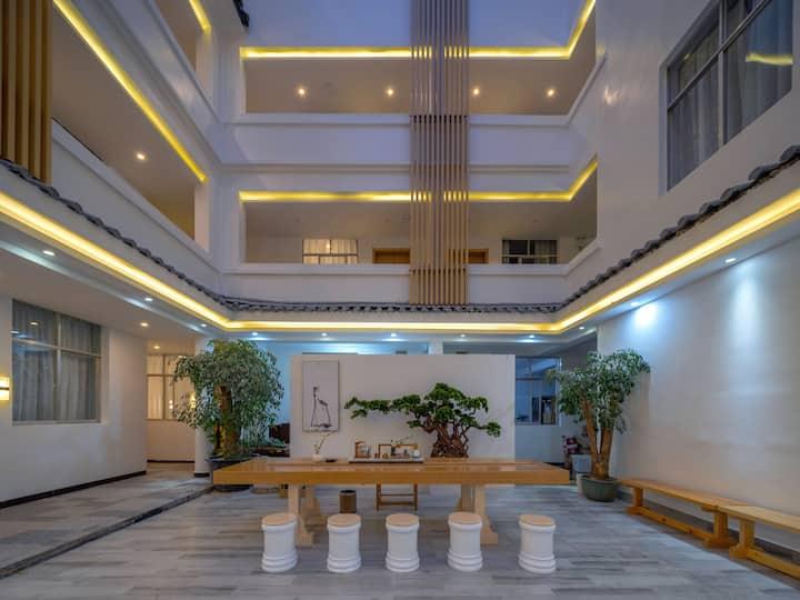 丽江高品质房源适合情侣居住,休闲娱乐一体的房源