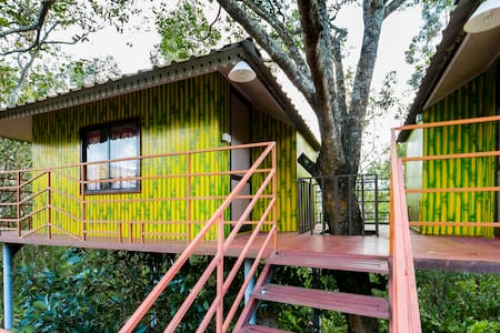 1-bedroom tree house with a stunning view - Suryanelli