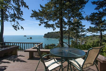 Sea Cliff~ Our Most Popular Home! Perched Above the Sea, Romantic & Private