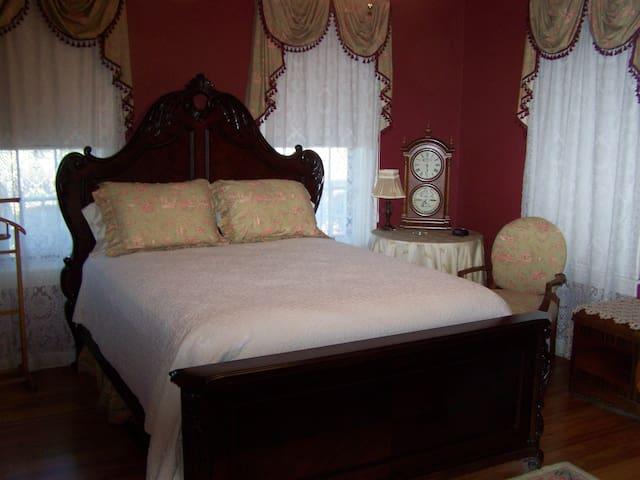 Roseville Bed and Breakfast - Preston Room