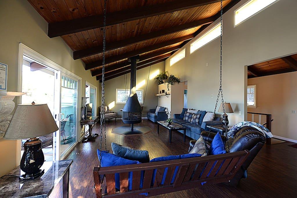 123UT-liv-002-Catalina Island Vacation Rentals