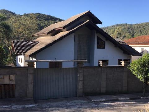 Casa Serra wifi+lareira+acesso privativo ao lago