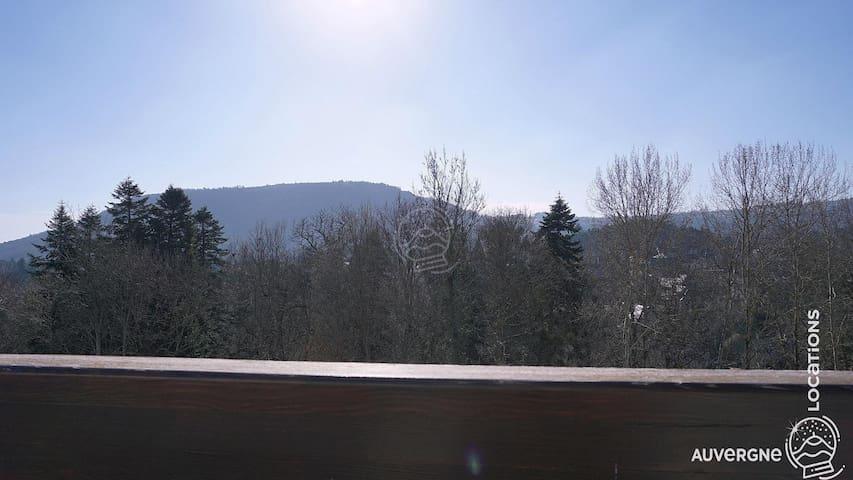 Résidence du Prélong, Auvergne, Centre village