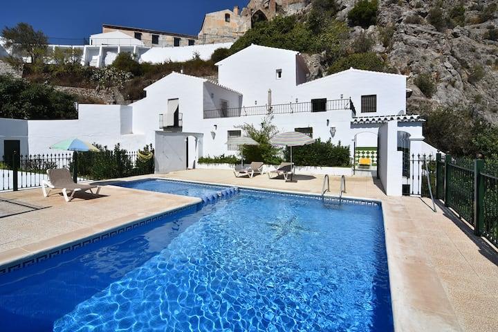 Villa in the center of Frigiliana, private pool