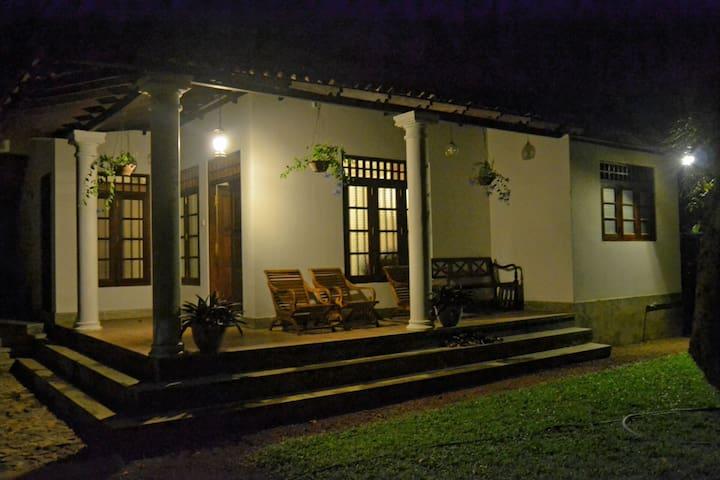 Sandaya's Residence(3Bedroom House) - Unawatuna - Dom