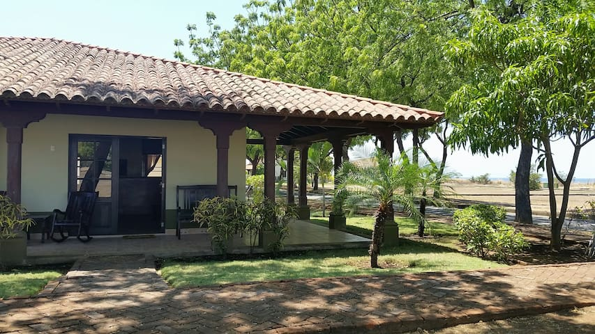 Casa Oliva - Colonial Cottage by the Sea! - Gran Pacifica Resort - Huis