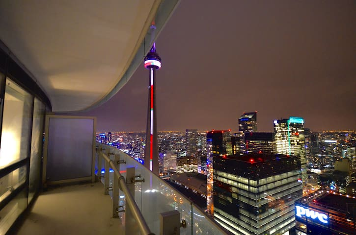 New High Rise With Stunning VIEWS! - Toronto - Appartement