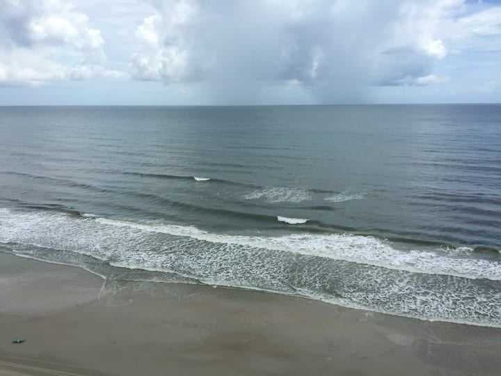 Breathtaking Views 2Bed/2 Bath Condo Daytona Beach