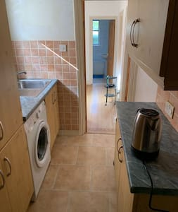 Entire Apartment Ideal for Homeworker or Commuter