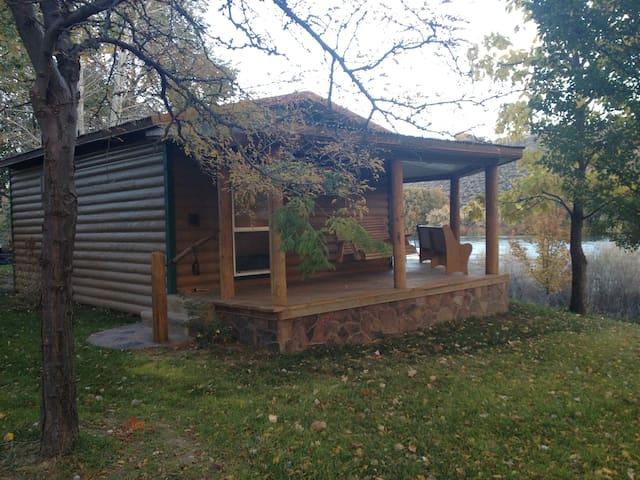 River Ranch Retreat - Cabin