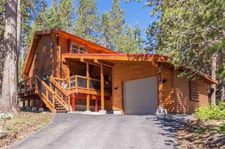 Alpine Log Cabin pets, snowshoes, kayak SUP