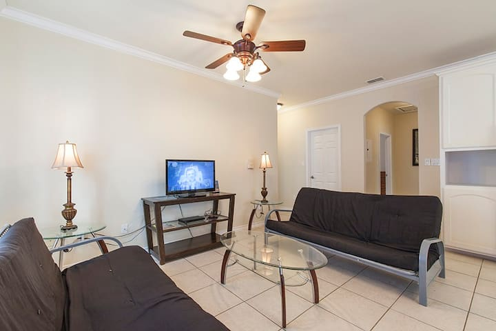 18 Years Old and Up Spring Break Condo  (Room B3) - South Padre Island