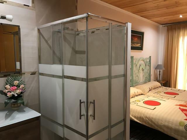 Habitación con baño 2