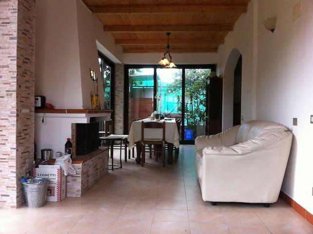 Casa Lungomare - Massa - Hus