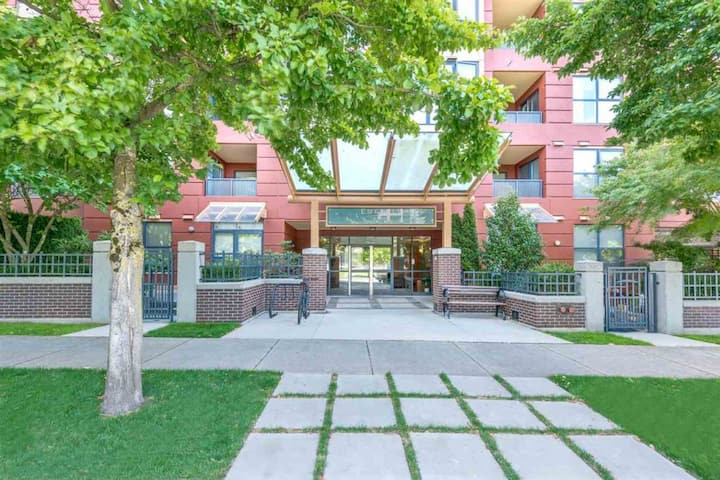 Spectacular Condo Unit great location for tourist