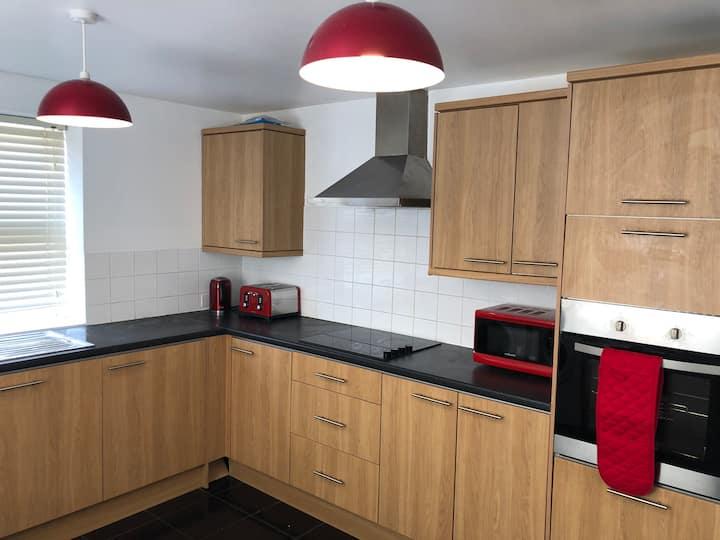 3 Bedroom 5 Bed House nr London in Hemel Hempstead