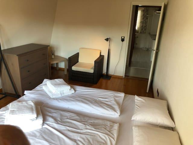 Doppelzimmer im Landgasthof Löwen Bonstetten