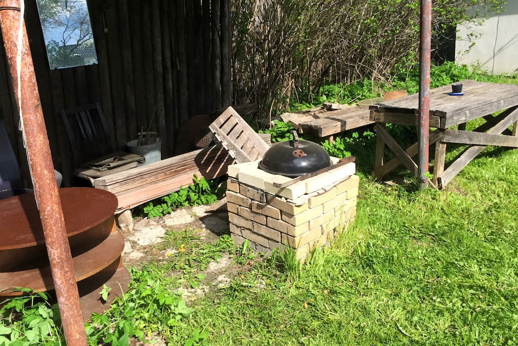 Place to grill and chill near sauna.