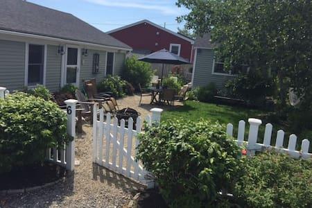 Open Concept, Comfortable Vacation home - Newburyport - House