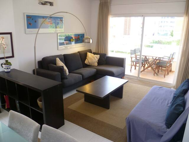 Central apartment with parking, close to beach
