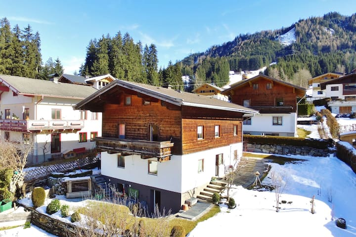 Charming Apartment in Bramberg am Wildkogel with Garden