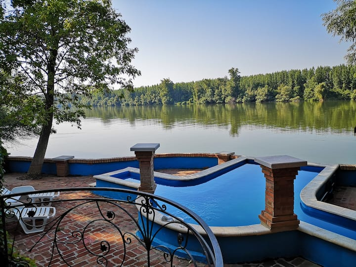 Vacation Villa Danube Paradise